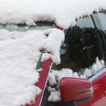 Top 10 items to keep in your car during winter