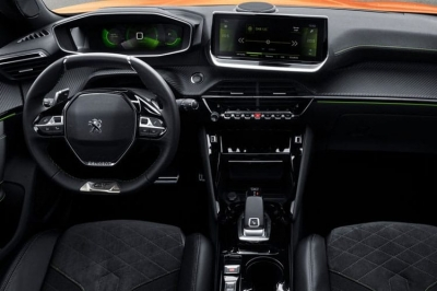 Peugeot 2008 50kWh 136 GT Auto